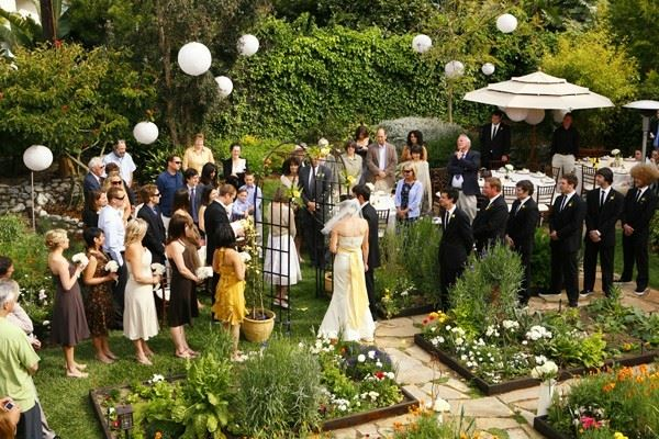 Elegant garden wedding Unforgettable Garden Wedding Decor