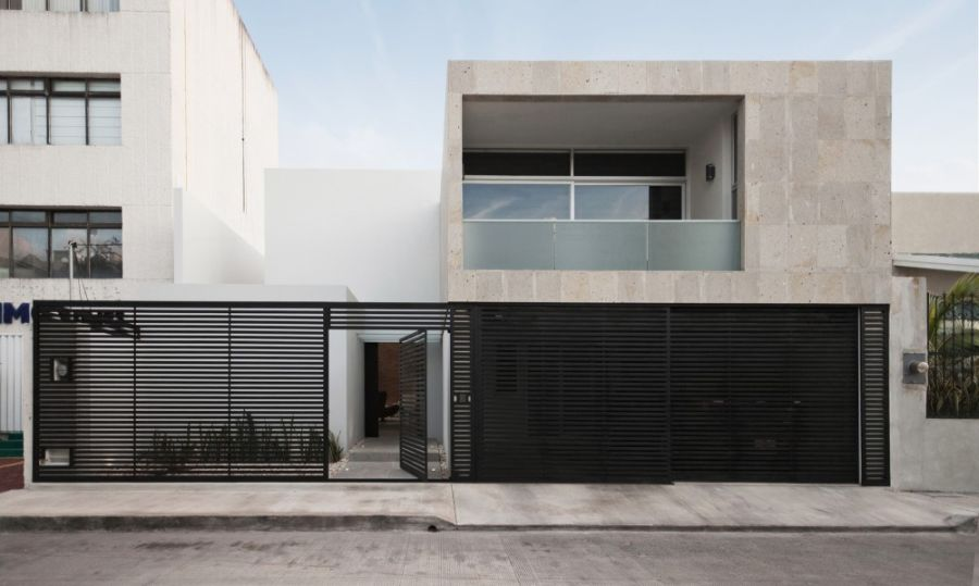 Facade of Cereza House in Mexico Interior Courtyard And High Ceiling Shape Clever Cancún House