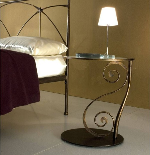 Galle 2 wrought iron bedside table with ricciolo scroll decoration