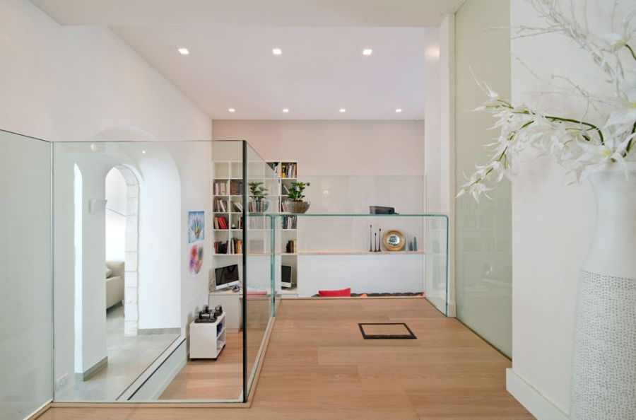Glass partitions for small apartments