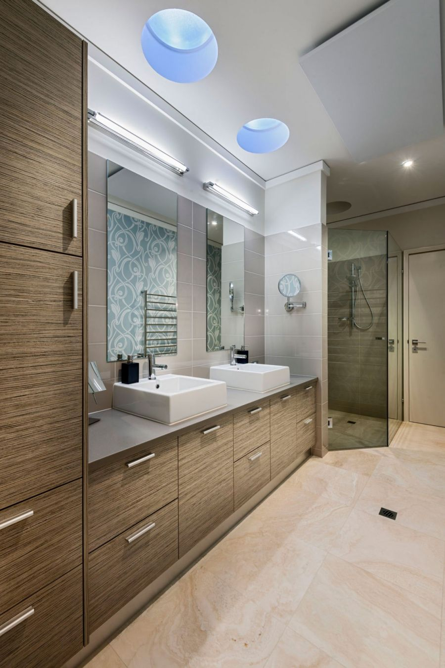 Glass shower doors in the bathroom