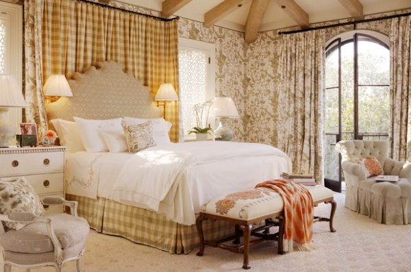 Golden yellow hues dominate this luxurious bedroom