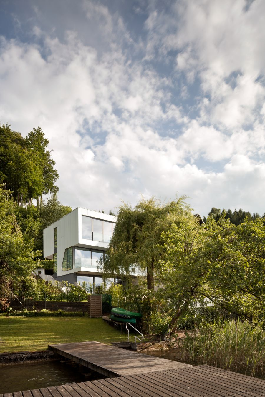 Greenery surrounding the Lakehouse