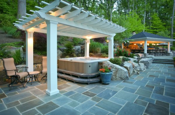 Hot tub under the pergola - For a revitalizing dip!