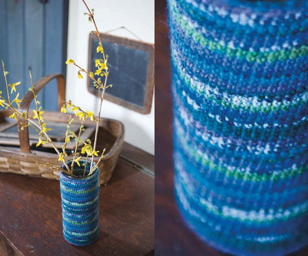 Knitted vase cozy DIY