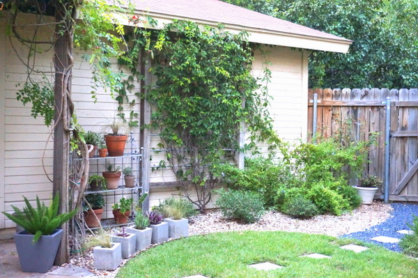 Lawn and graveled areas in a backyard space