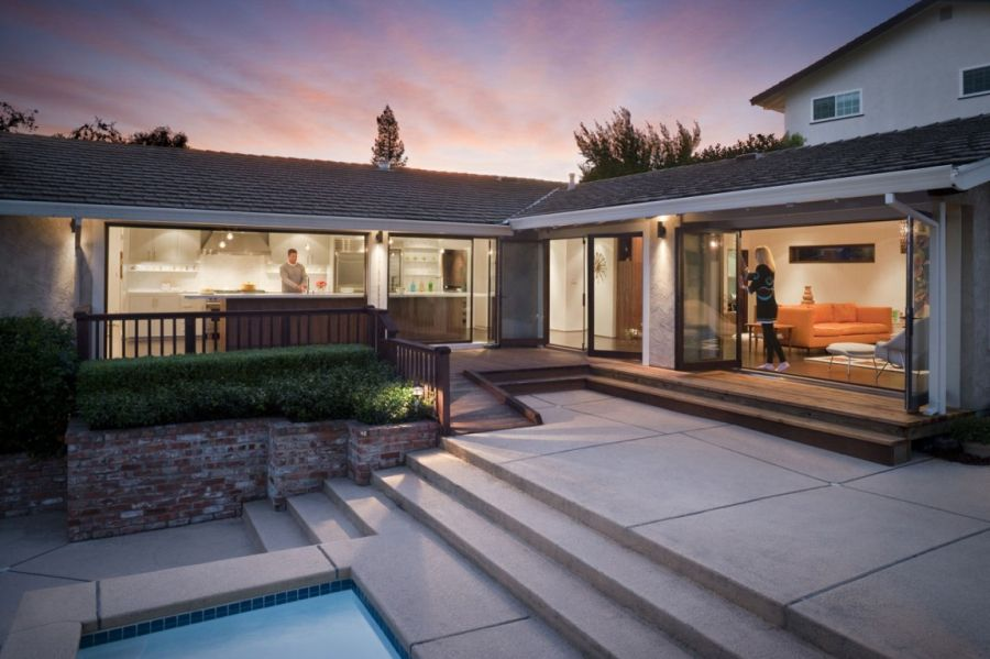 Lovely open courtyard of the California home Remodeled Kitchen And Breezy Interiors Light Up The Moraga Residence