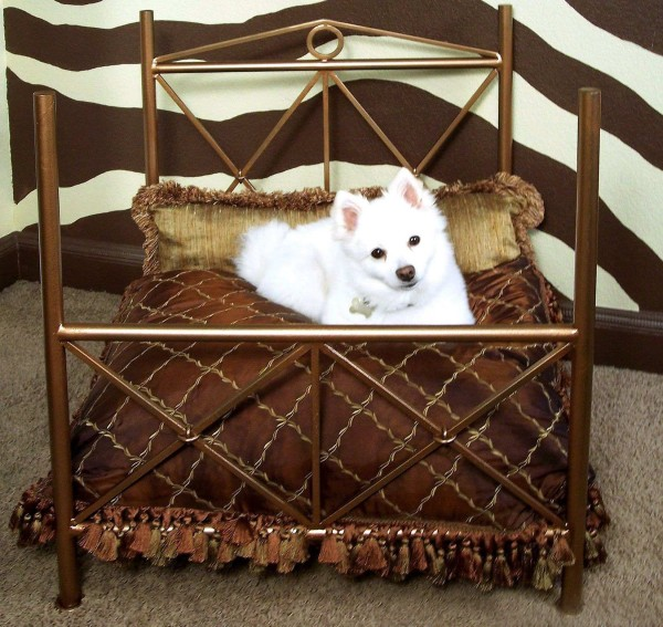 Made In China Wrought Iron Bed with Dog