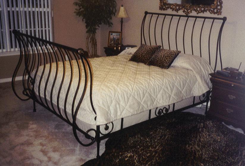 Metalcraft Of Pensacola Wrought Iron Sleigh Bed