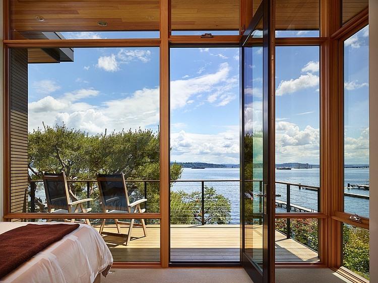 Modern Seattle home with beautiful lake views
