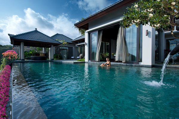 Opulent pool at Banyan Tree Ungasan, Bali