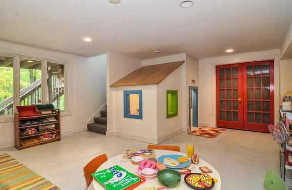 Playhouse under the stairs is a lovely space-saving idea