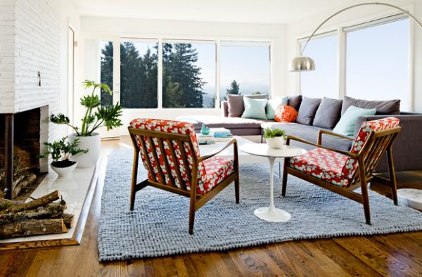 Saarinen Side Table is the perfect choice for small living rooms