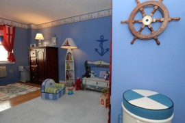 Nautical Decor Ideas: From Ship Wheels To Starfish!