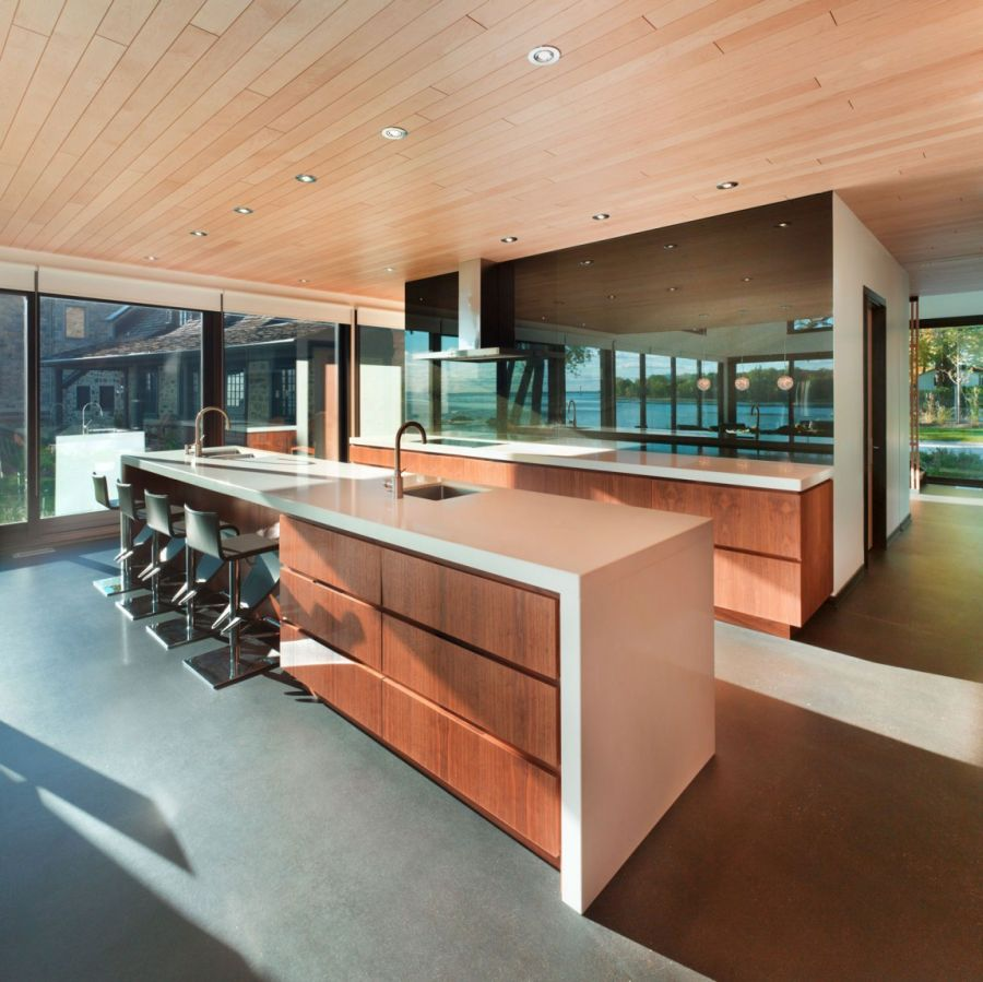 Spacious modern kitchen in wood