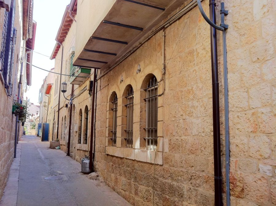 Street view of the Mahane Yehuda locality, Israel