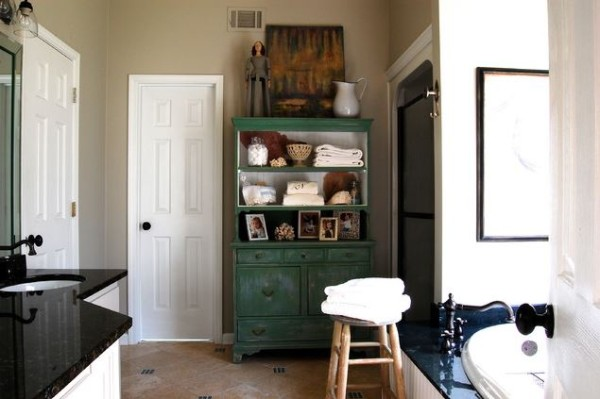 Sturdy storage piece in blue-green