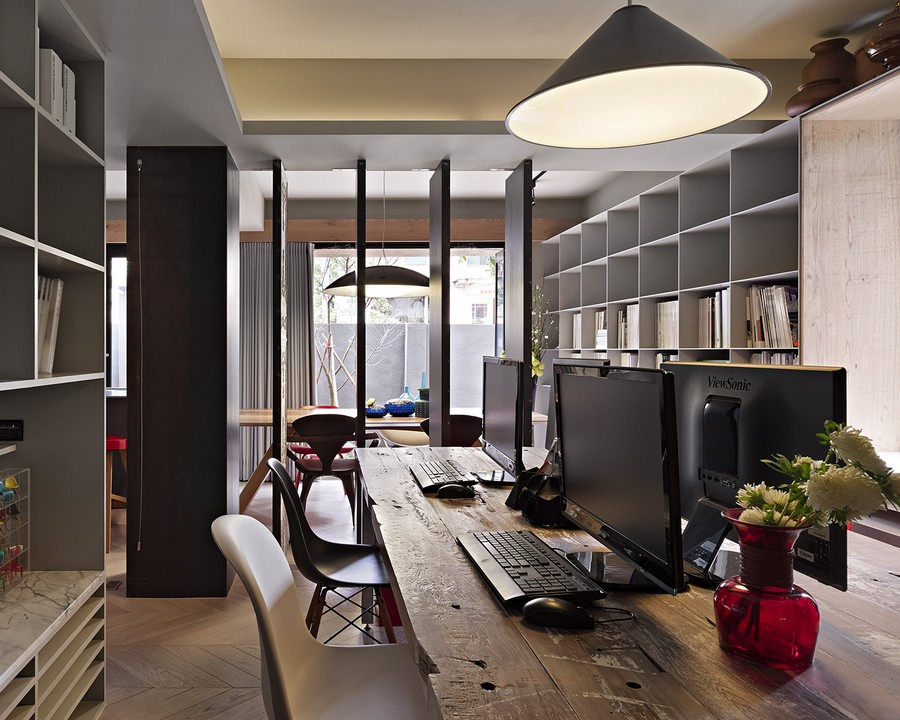 Stylish and elaborate home office in Taipei Studio Home