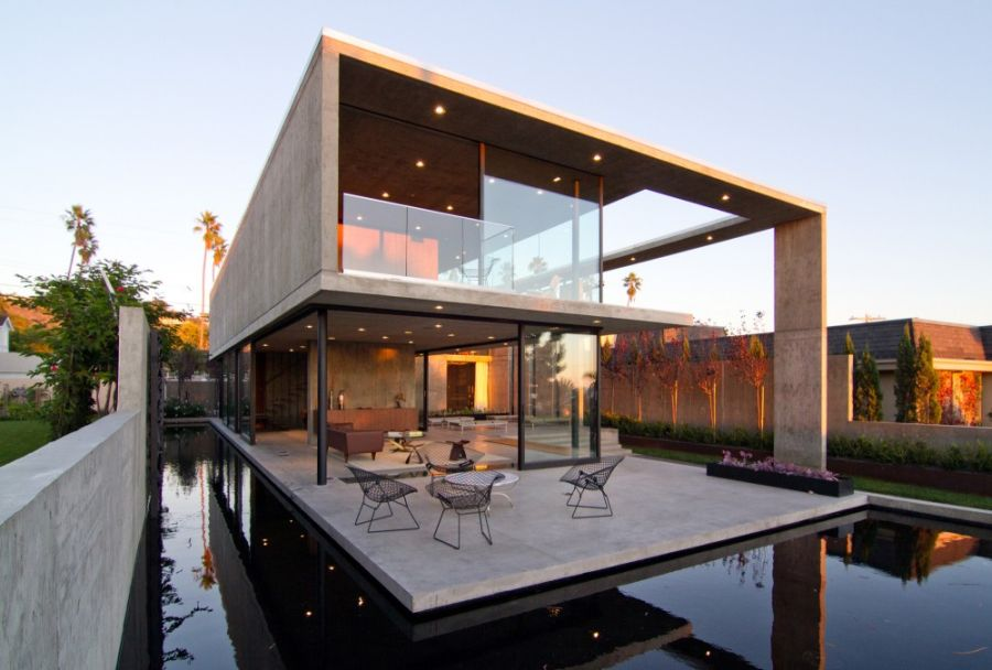 luxurious california residence blurs boundaries of conventional design