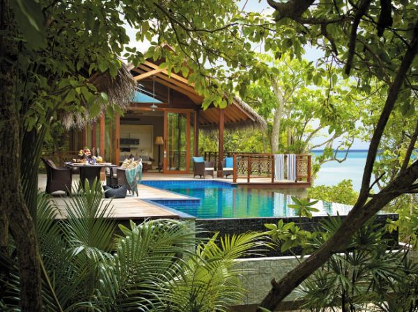 Treehouse villa and pool at the Shangri-La in Maldives