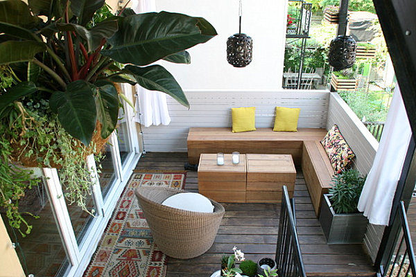 Balcony gardens prove no space is too small for plants for Balcony zen garden ideas