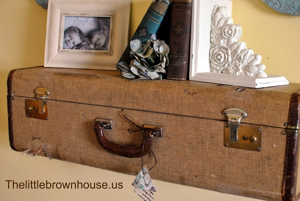 Vintage suitcase shelf DIY