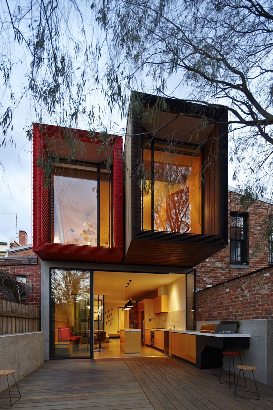 Backyard of Modern Melbourne House by Andrew Maynard Modern Melbourne House With A Japanese Maple At Its Heart!