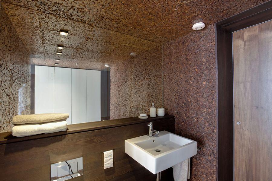 Bathroom vanity in wood