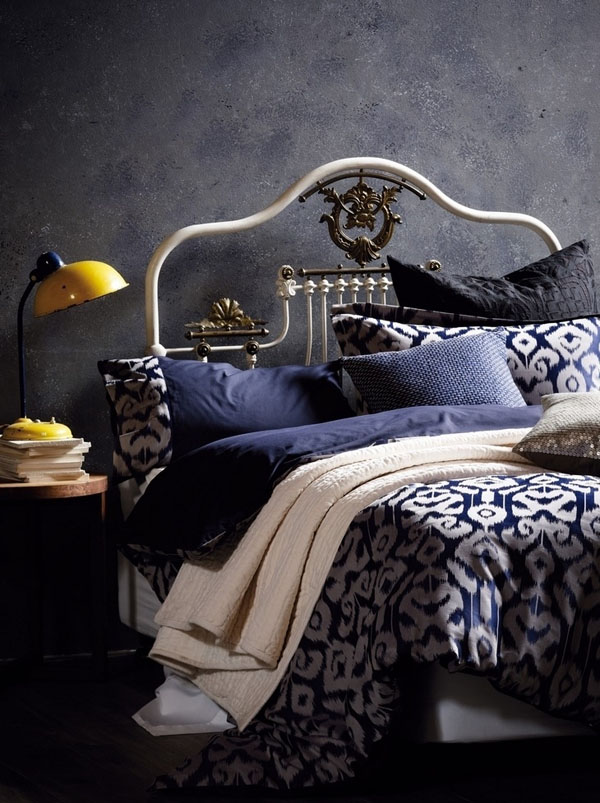 Bedrooms that seem designed for Halloween  (3)