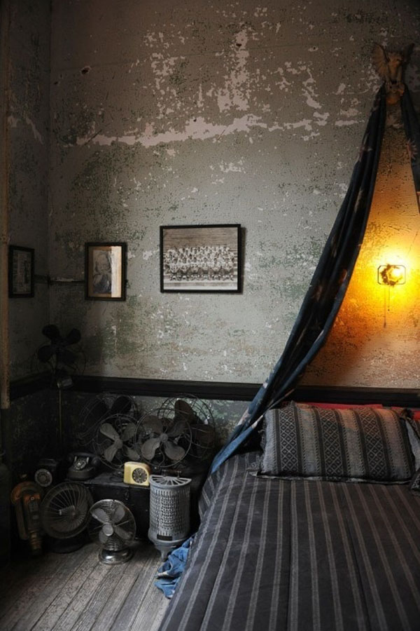 Bedrooms that seem designed for Halloween  (9)