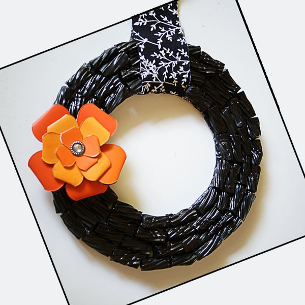 Black Licorice Wreath DIY Halloween