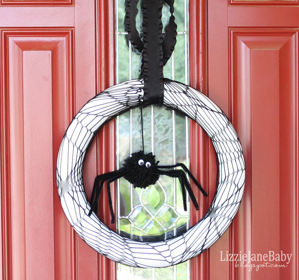 Black and white Spider Halloween Wreath