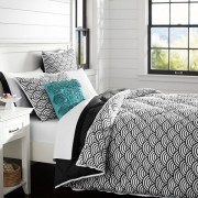 Black scallop comforter