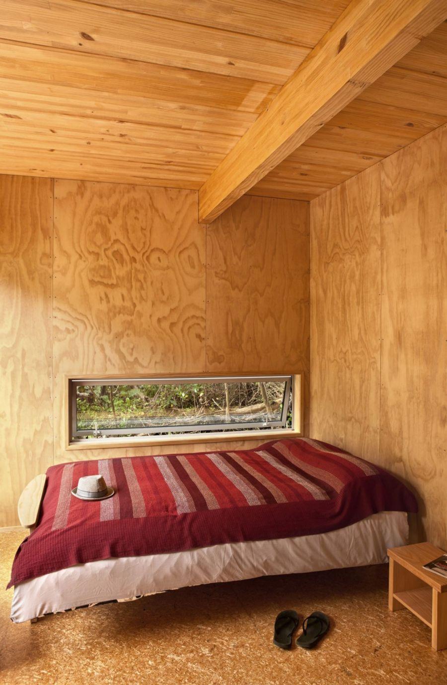 Cabin-styled bedroom design