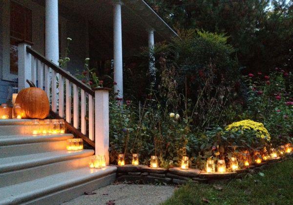 Candles in mason jars are a wonderful DIY idea