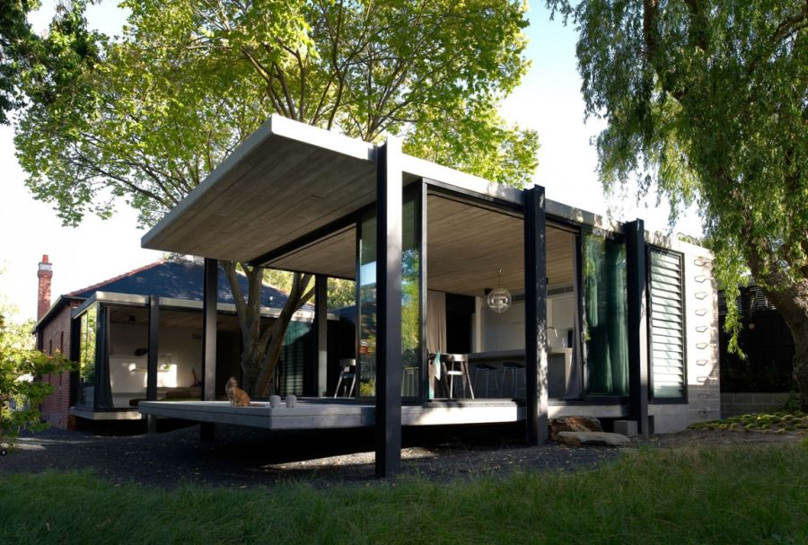 Cantilevered structure of the Aussie home