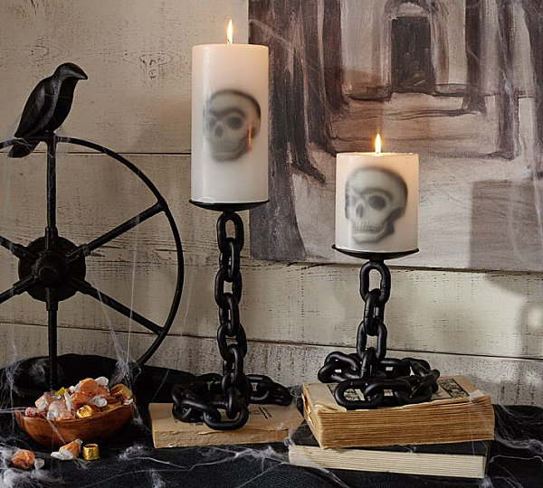 Chain link candle holders