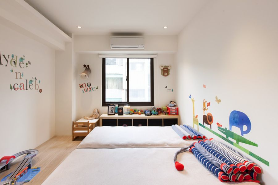 Colorful and contemporary kids' room idea