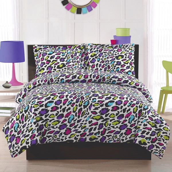 Colorful leopard print bedding