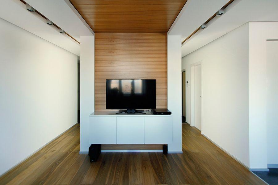 Compact entertainment unit