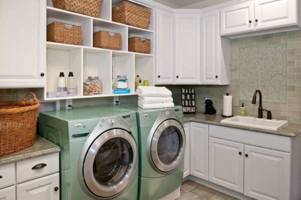 Compact laundry room with combination of selving and storage options
