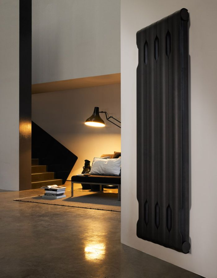 Contemporary Agora in Black