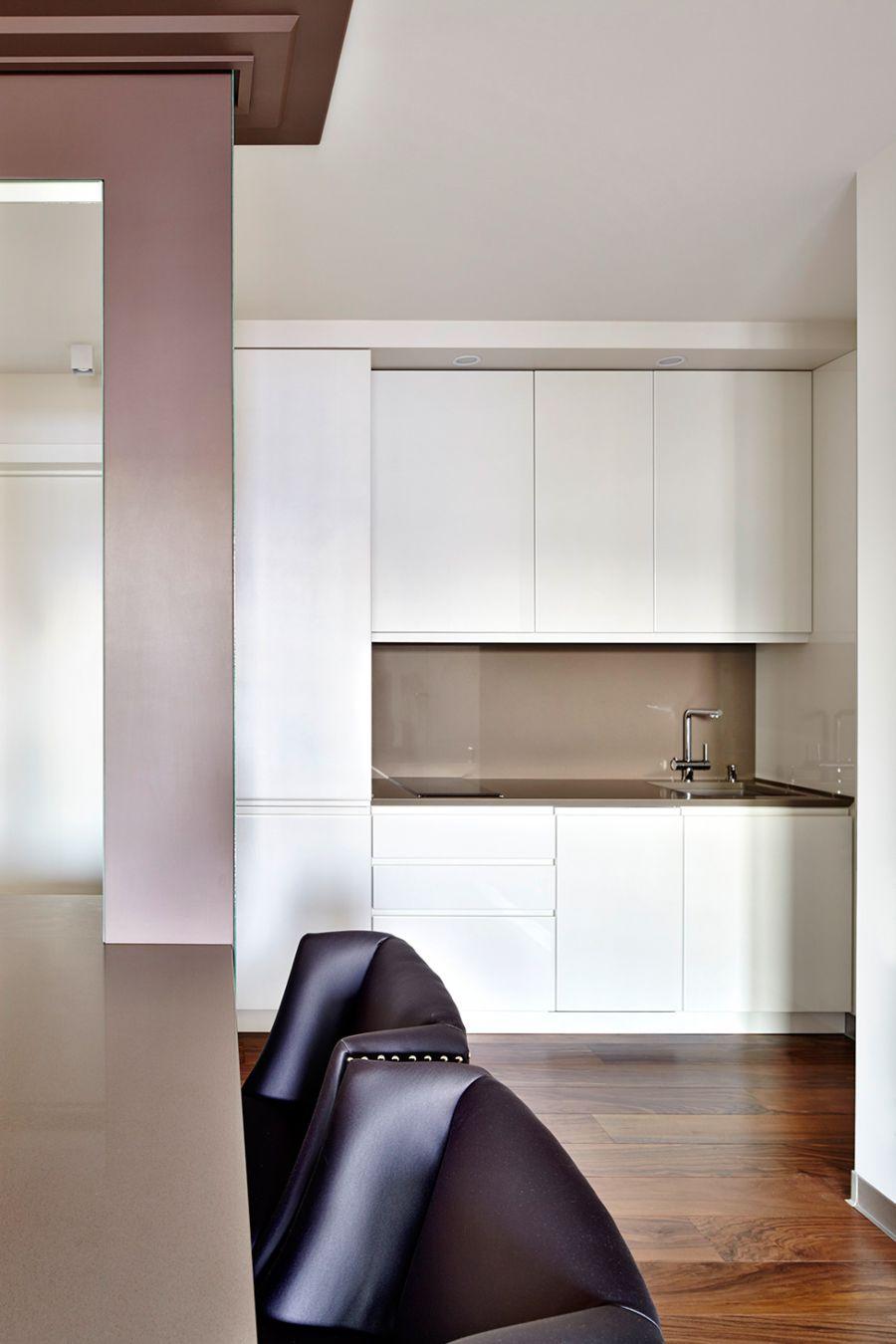 Contemporary kitchen in white