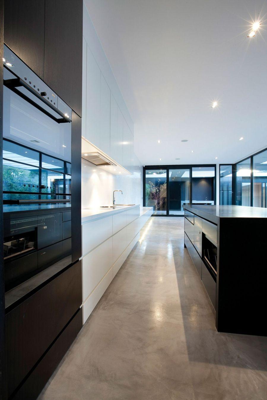 Contemporary kitchen island in black