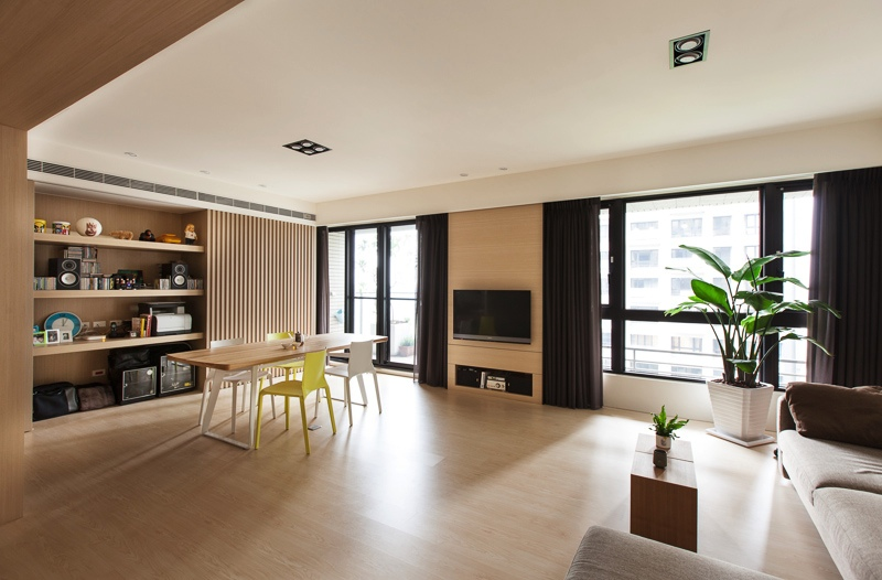 Organic and minimalist interior inspirations from the far east for Minimalist condominium interior design