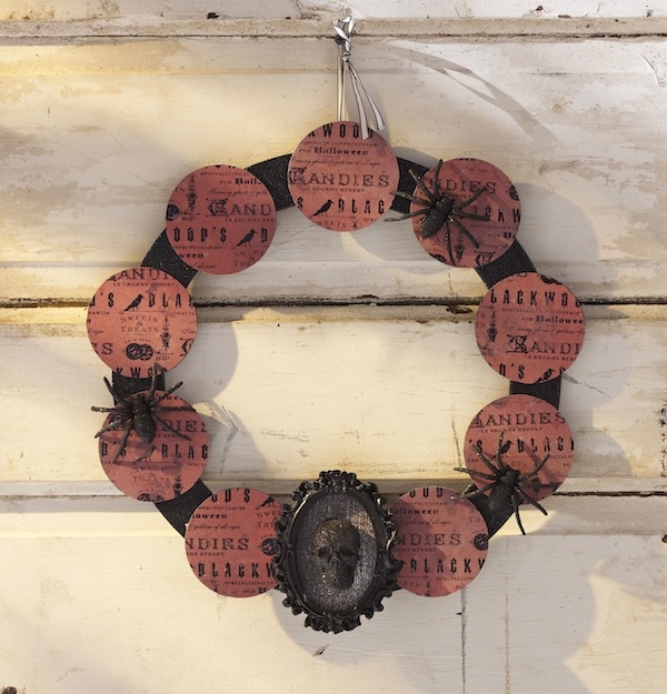 DIY Halloween Vintage Skeleton Wreath