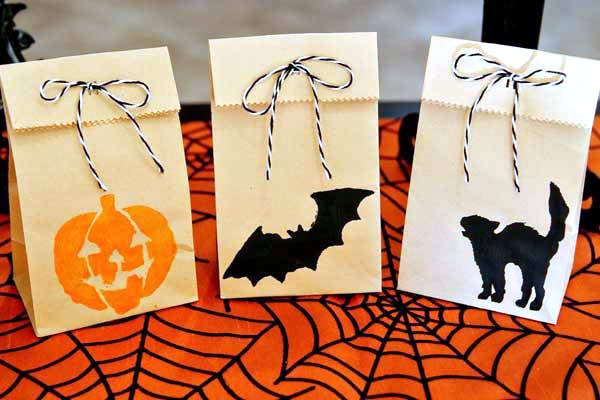 DIY Halloween treat bags