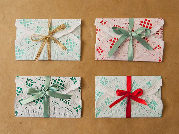 Doily-wrapped gift cards