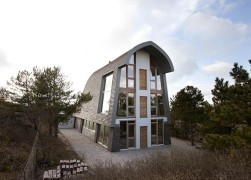 Dune House by Min2 Architecture in Bergen