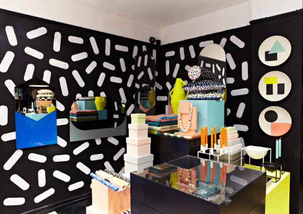 Delicious interior design featuring candy colors and bold for Memphis sottsass